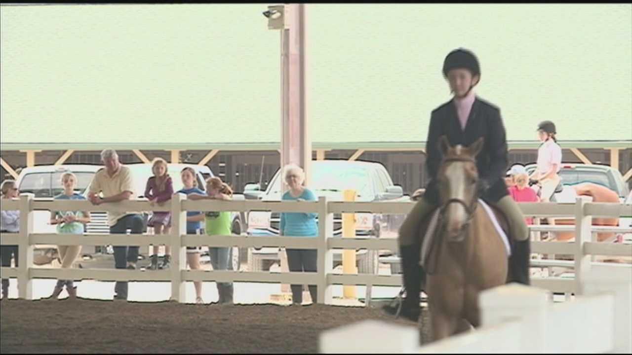 The Kentucky 4H Horse show got underway Sunday at the Kentucky Exposition Center.
