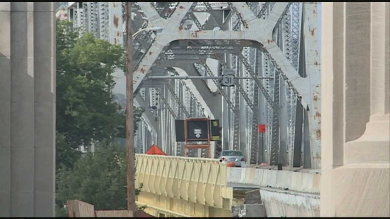 Clark Memorial Bridge closed to repair approach