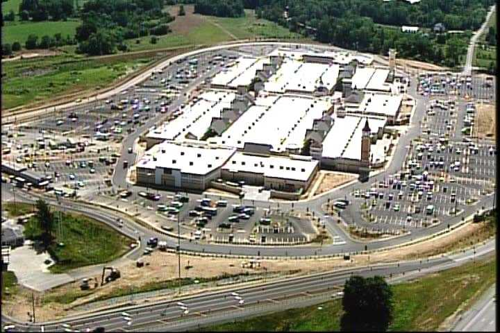 The Outlet Shoppes of the Bluegrass, located off Interstate 64 and KY 1848 in Shelby County, opened to the public July 31.