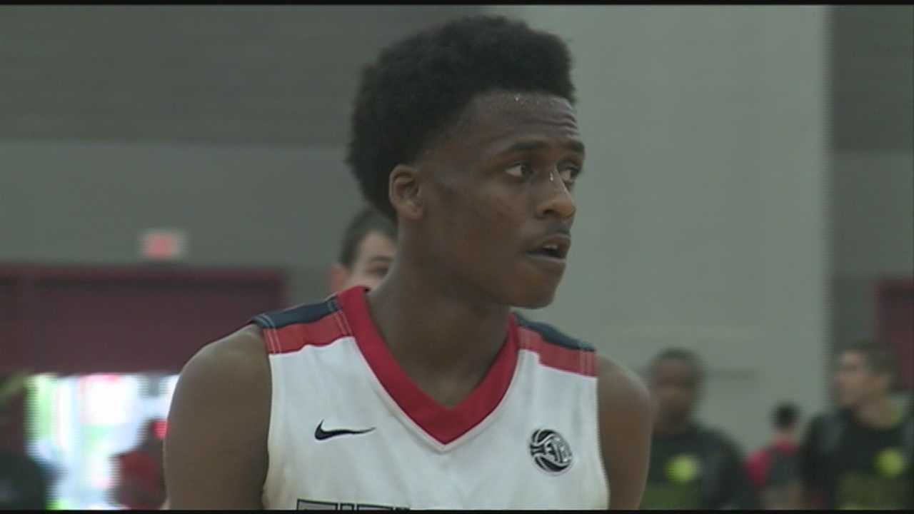 Orlando high school basketball star Antonio Blakeney is being highly recruited by the University of Louisville and University of Kentucky.