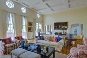 Homeowners decided to embrace Kentucky's classic style in the living room.
