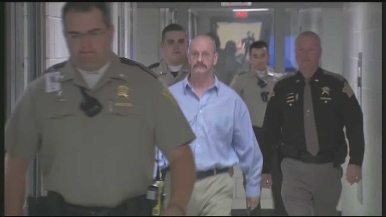 A Floyd County judge sentences serial killer William Clyde Gibson to death in the murder of Stephanie Kirk.