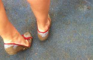 11. Feeling sorry for all these gals ruining their cute shoes.