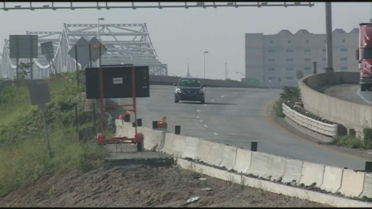 Lane restrictions take effect on I-65.