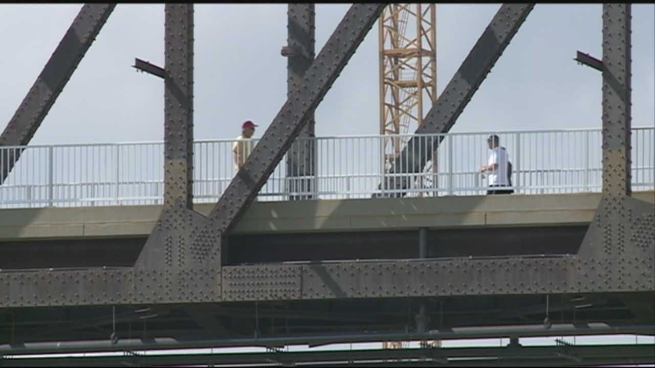 Authorities are hoping to crackdown on graffiti vandalism on the Big Four Bridge.