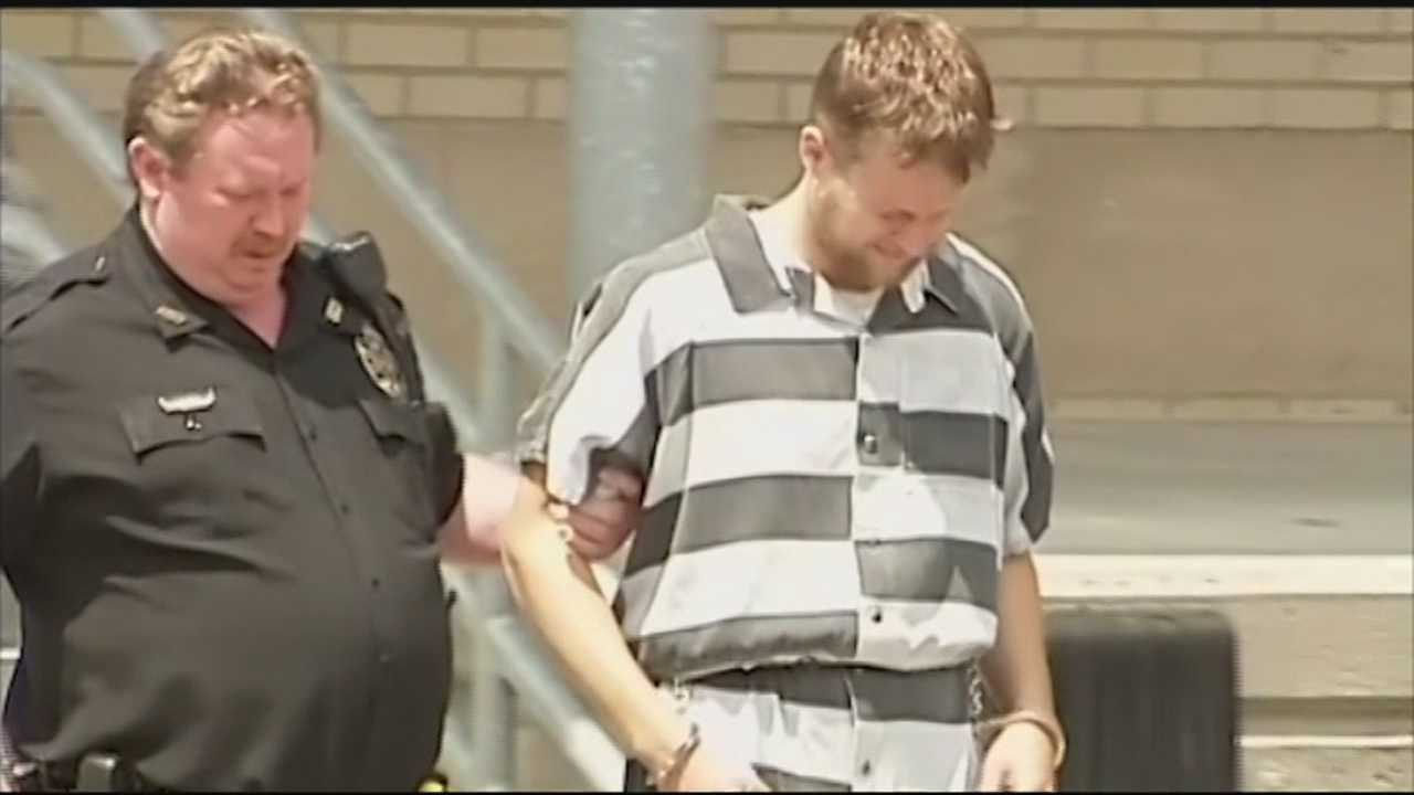 Man accused of killing cab driver extradited back to Kentucky.