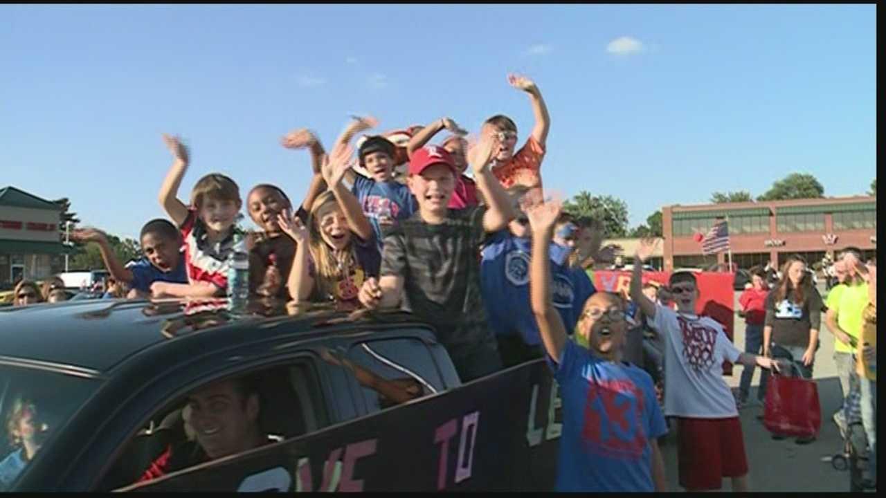 Jeffersontown's annual Gaslight Festival Parade was held Thursday evening.