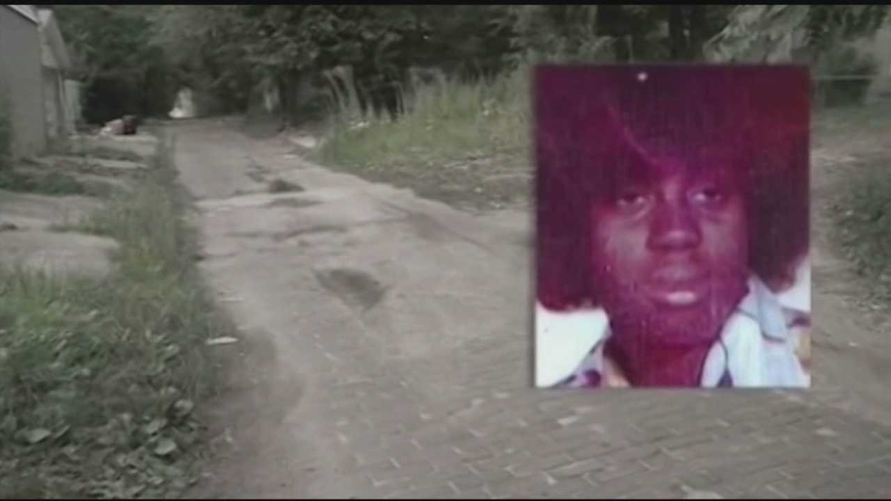 The family of a woman murdered 31 years ago by a serial killer is trying to raise money to buy her a headstone.