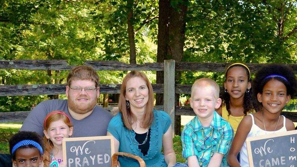 The Shore Family: David, Lindsay, Lydia, Ruby, Zoey, Isaiah and Abigail.