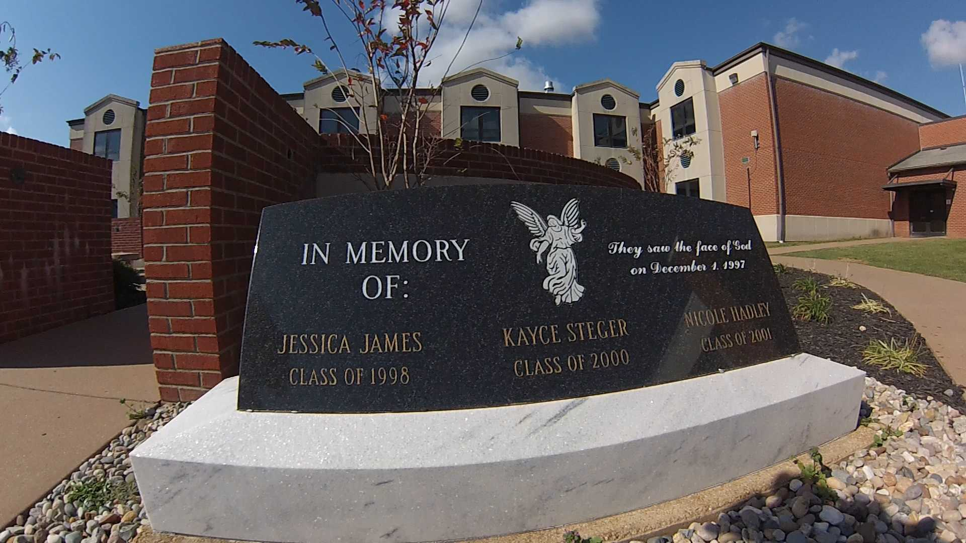 Survivors remember deadly Ky. school shooting 17 years later
