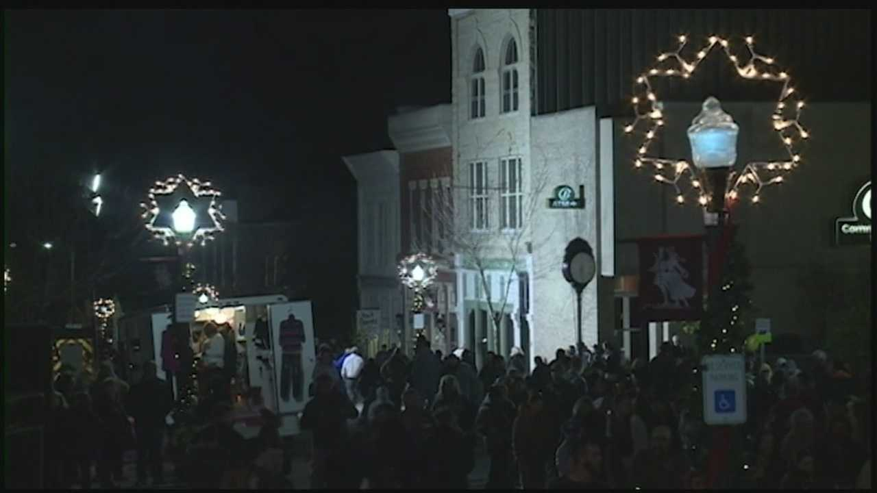 For 27 years, the small town of Shelbyville, Kentucky, has hosted the Celebration of Llights to ring in the holidays.