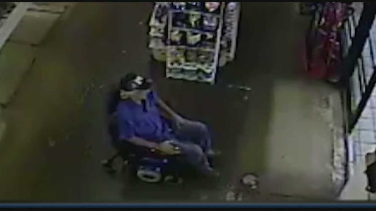 Louisville police need help identifying two thieves who were caught on surveillance video stealing an electric wheelchair.