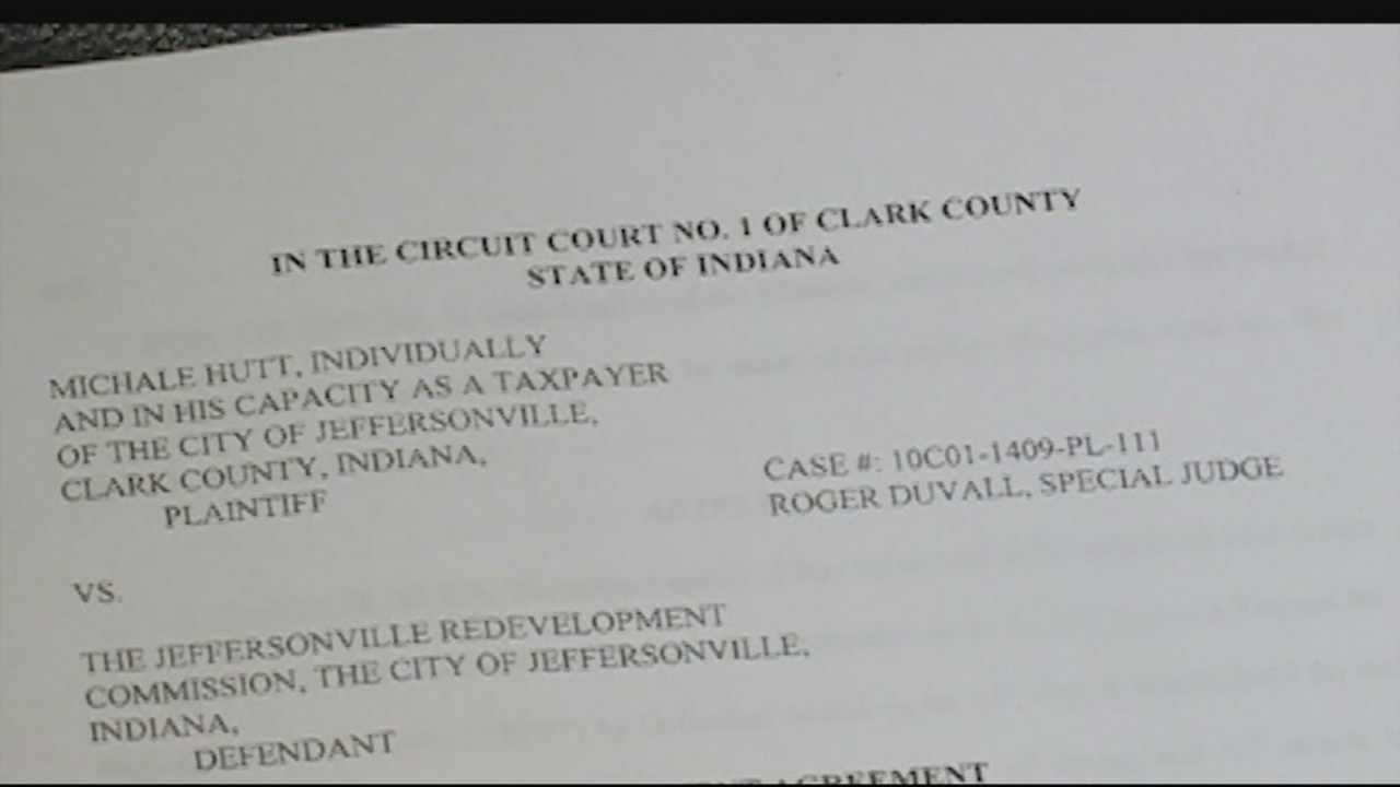 The city of Jeffersonville has settled a lawsuit filed by one of its residents.
