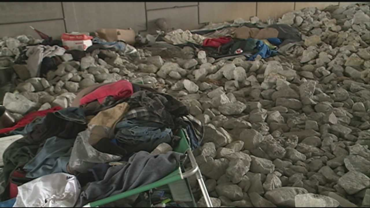 Jeffersonville leaders are trying to help keep the homeless warm during the cold snap.