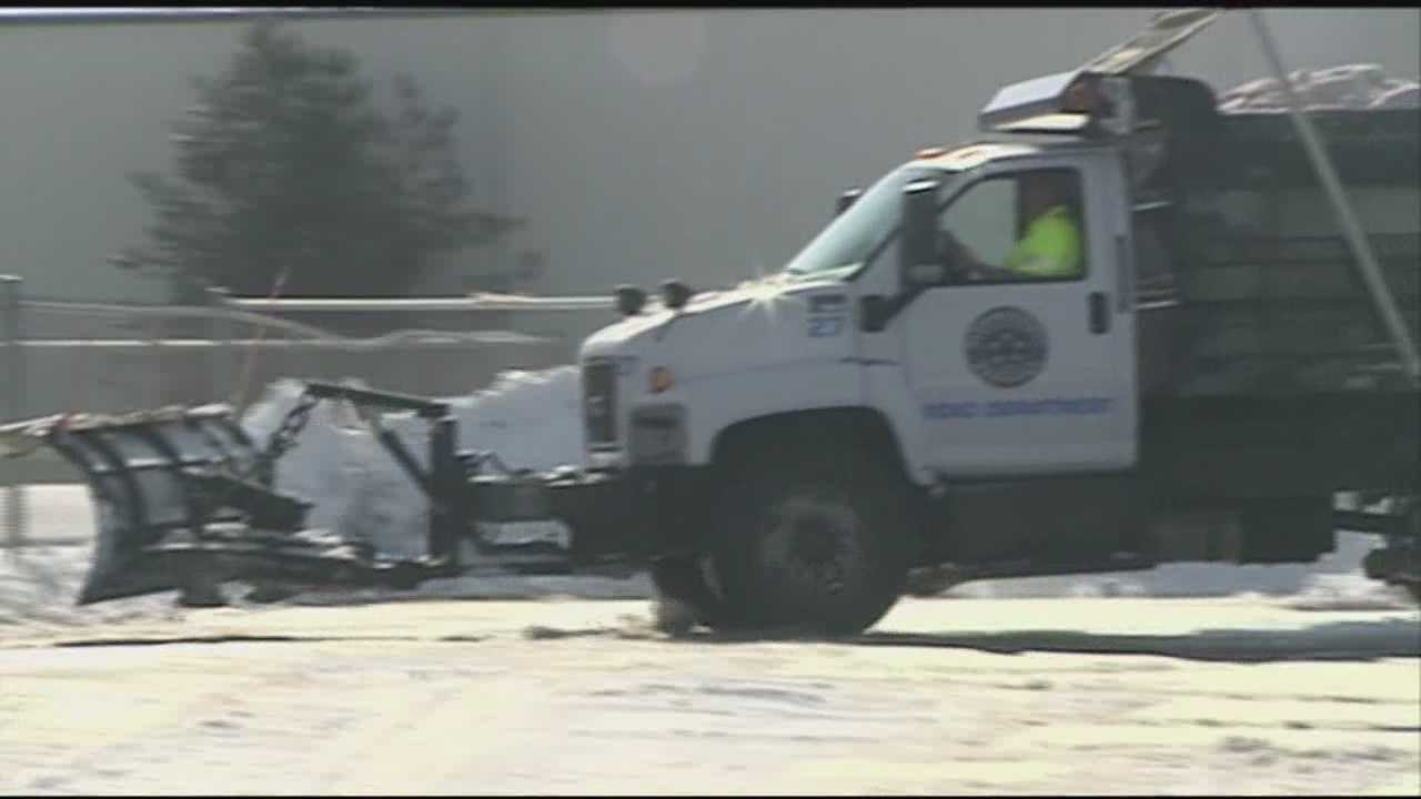 Oldham County road crews tackle snowy roadways