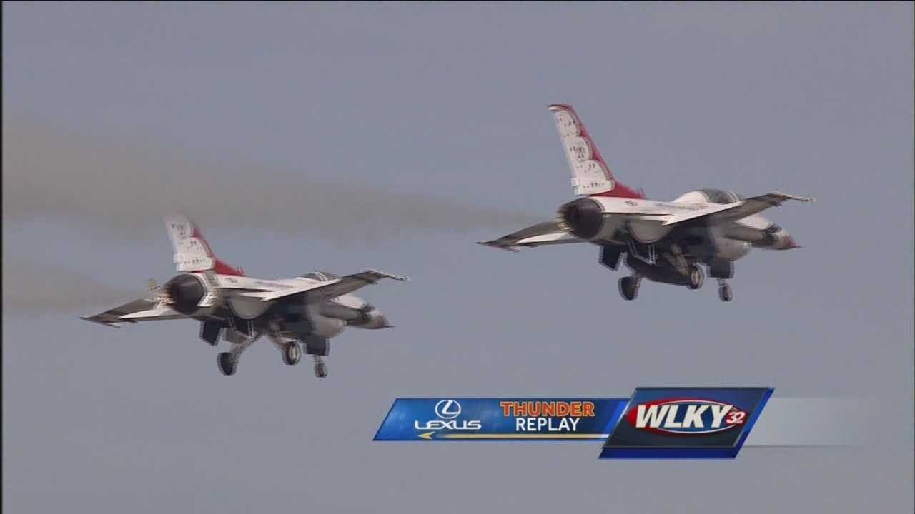 Watch as the Thunderbirds perform at Thunder Over Louisville 2015.