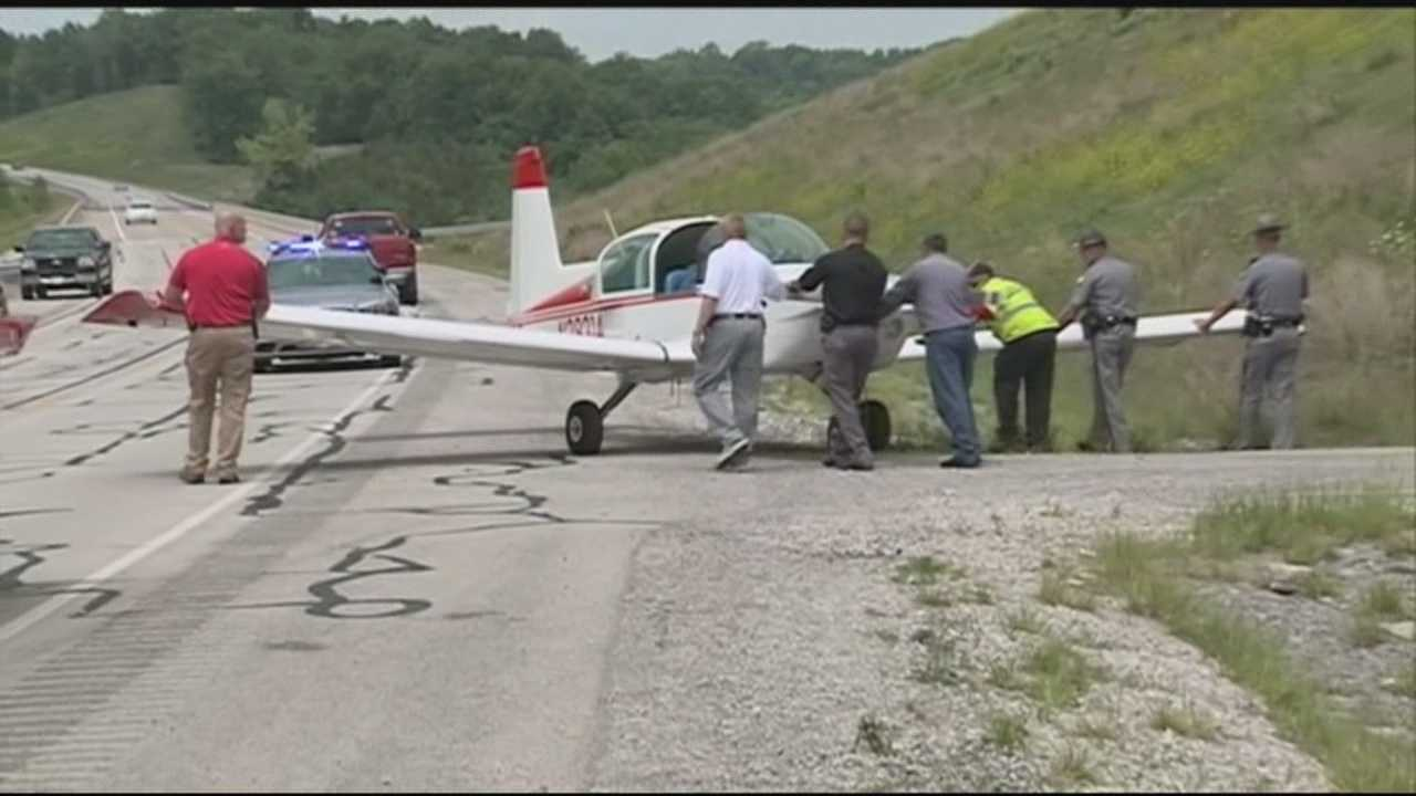 Plane lands safely on Highway 555 near Bluegrass Parkway