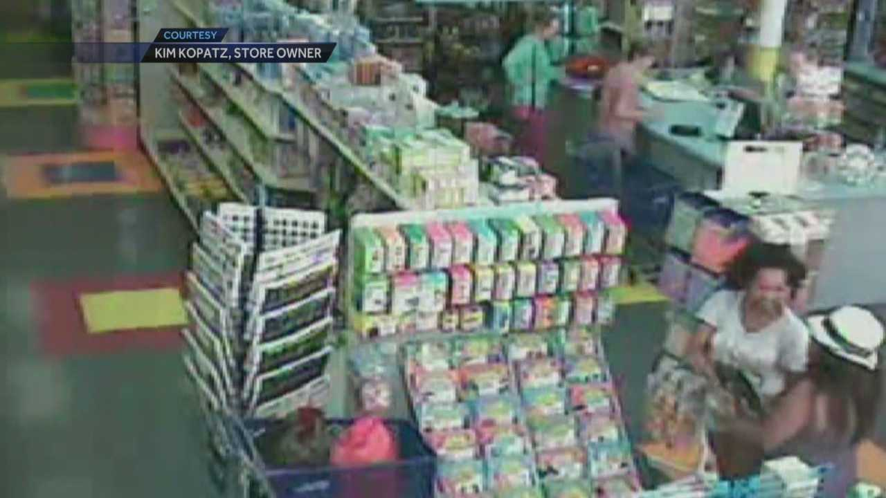 Women use child as decoy while stealing from parent, teacher supply store
