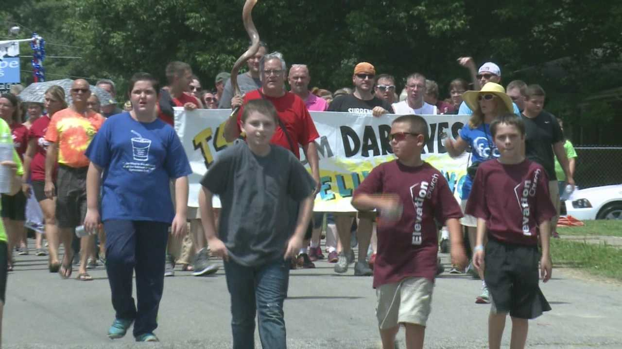 Hundreds gather in Scott County for Day of Hope