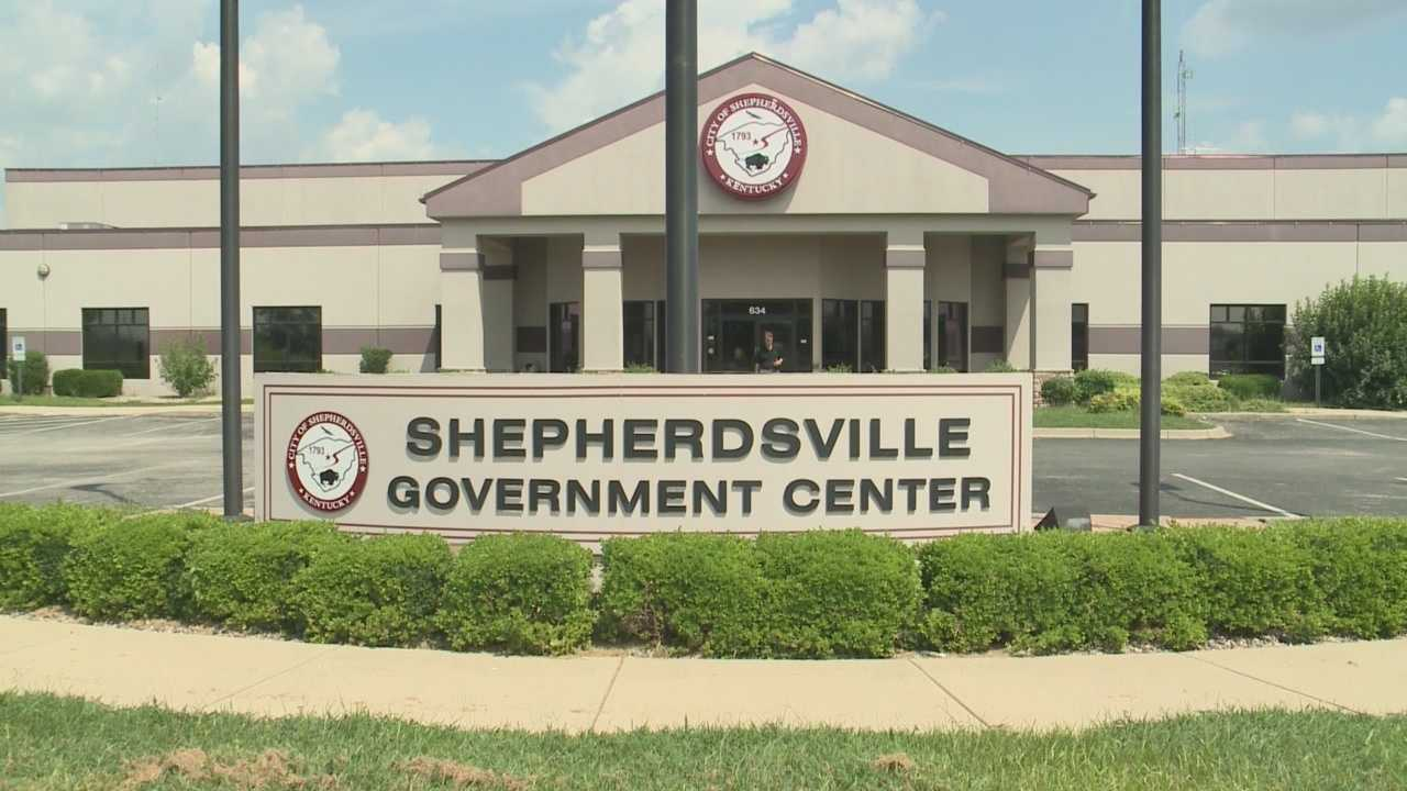 Shepherdsville mayor indicted before grand jury