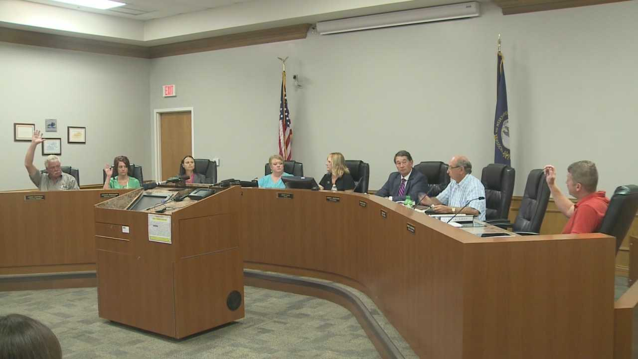Shepherdsville City Council holds meeting, votes to ask mayor to step down