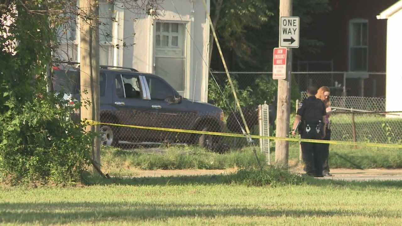 Police continue search for suspect in shooting near West Kentucky Street