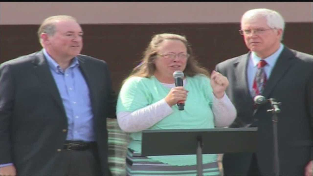 Kim Davis released from jail, cannot interfere with issuing of marriage licenses