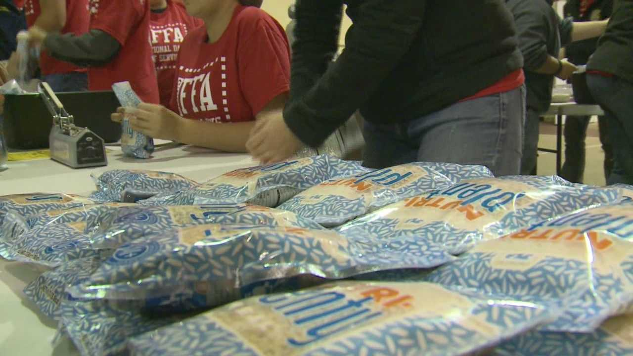 FFA members pack thousands of meals for those in need