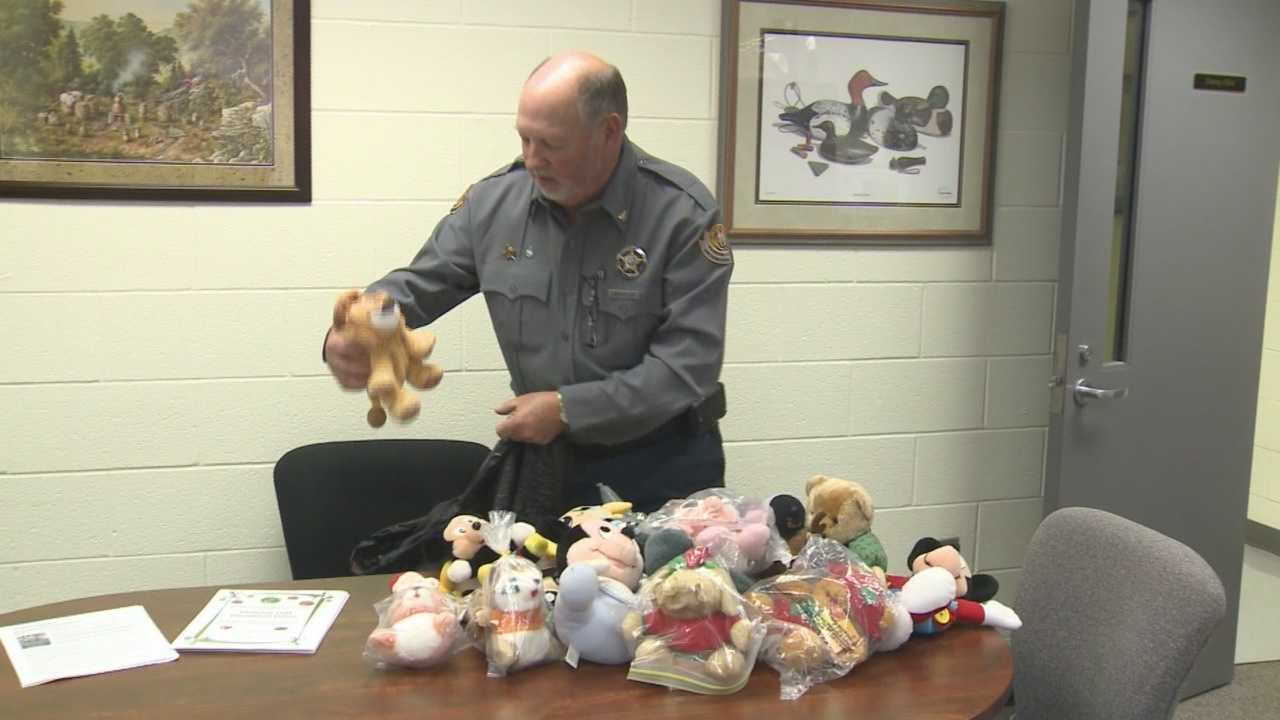 Hardin County jailer aims to make Christmas visitations easier on children