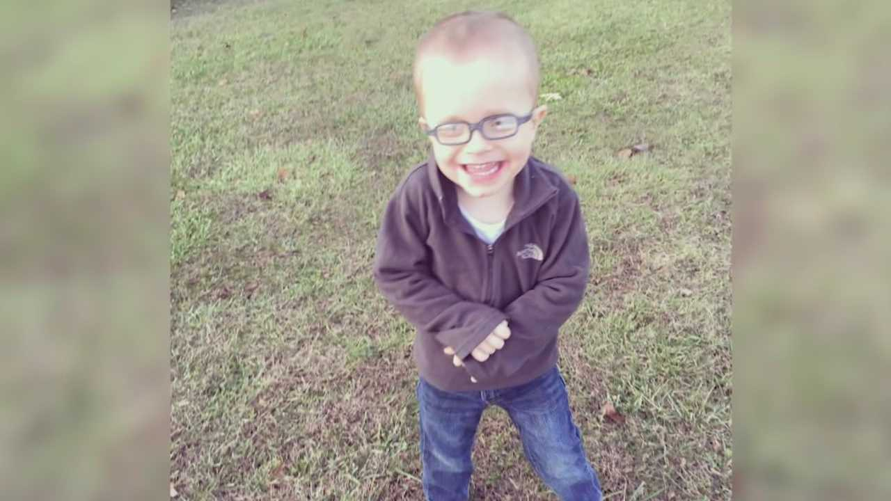 Meade Co. Family raises money to buy service dog for son