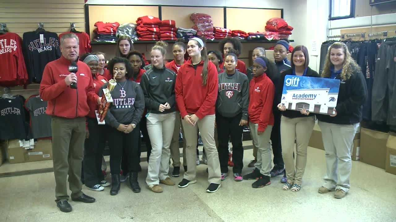 With just over a month left until the Kentucky girls basketball Sweet 16, one of the favorites to win the state title is WLKY's School of the Week!