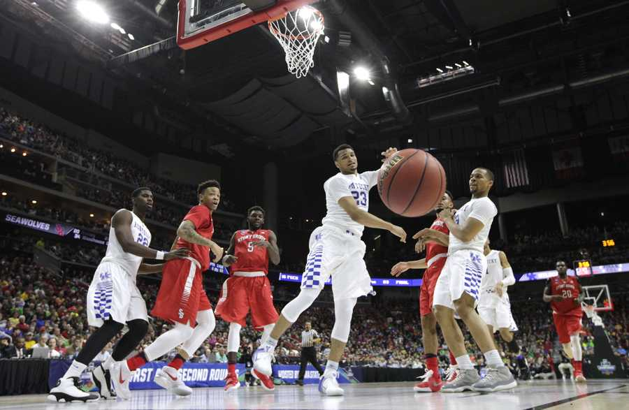 Kentucky guard Jamal Murray (23) loses the ball while driving to the basket during the first half of a first-round men's college basketball game against Stony Brook in the NCAA Tournament, Thursday, March 17, 2016, in Des Moines, Iowa.