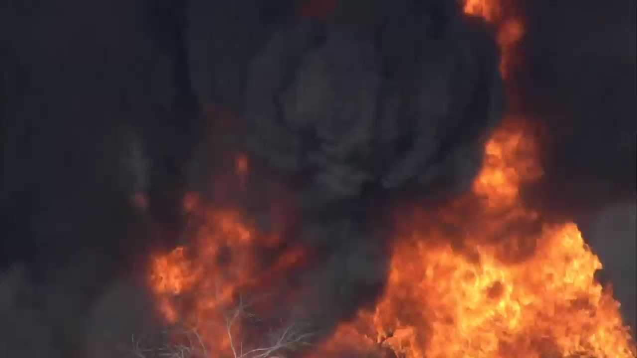 WLKY Chopper HD flies over a fire at Osage Express in hardin County