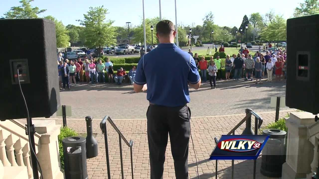 Bardstown residents rally against Mayor, call for him to be replaced