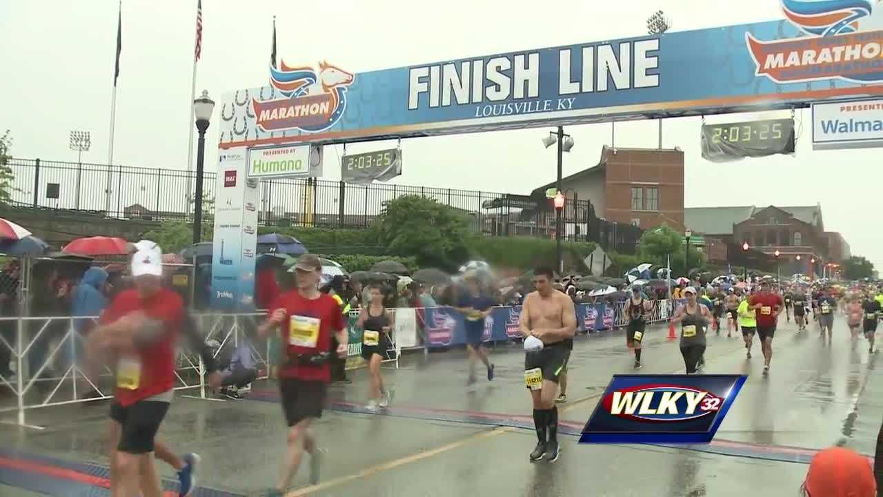 Thousands participate in Kentucky Derby Festival miniMarathon/marathon