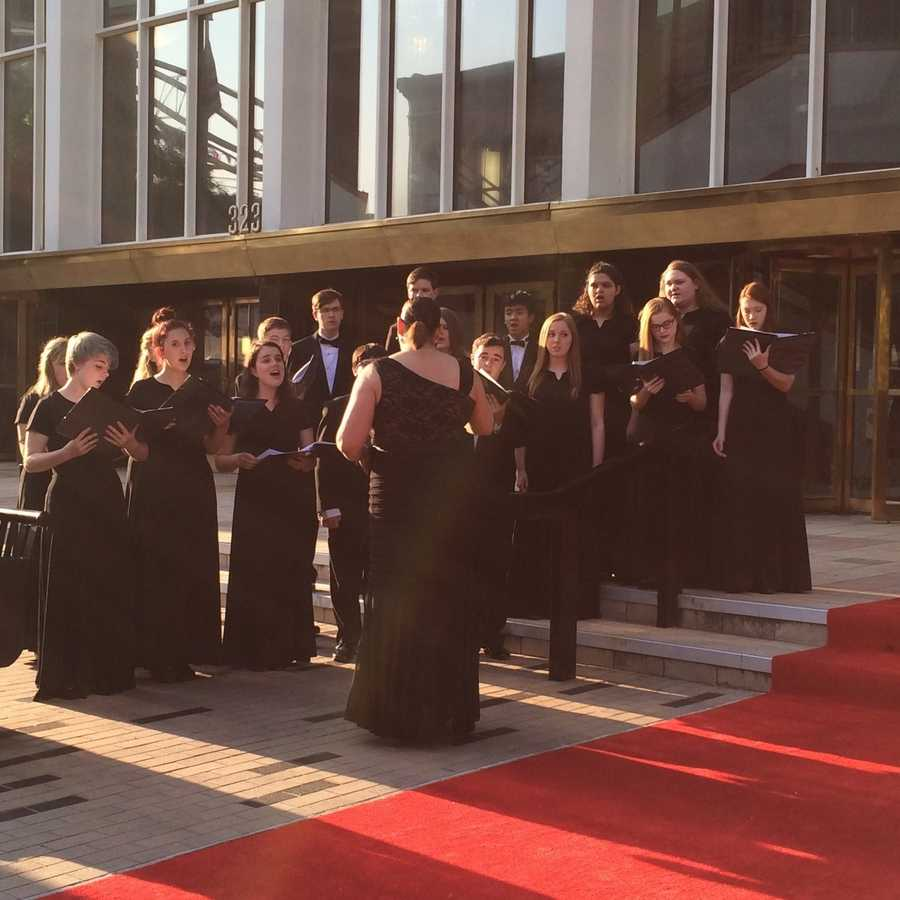 Louisville Youth Choir singing at red carpet at Unbridled Eve Derby Gala