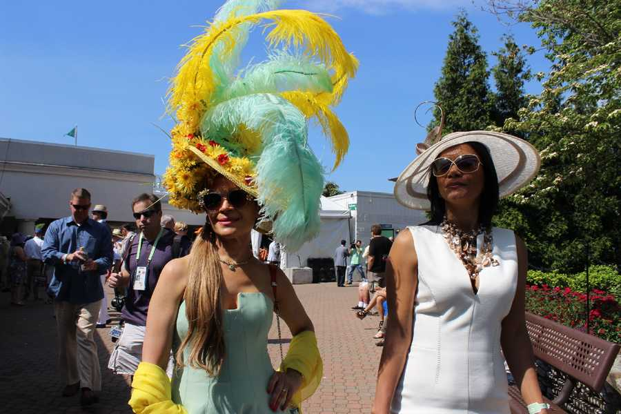 CLICK HERE to check out all the photos from Kentucky Derby 142