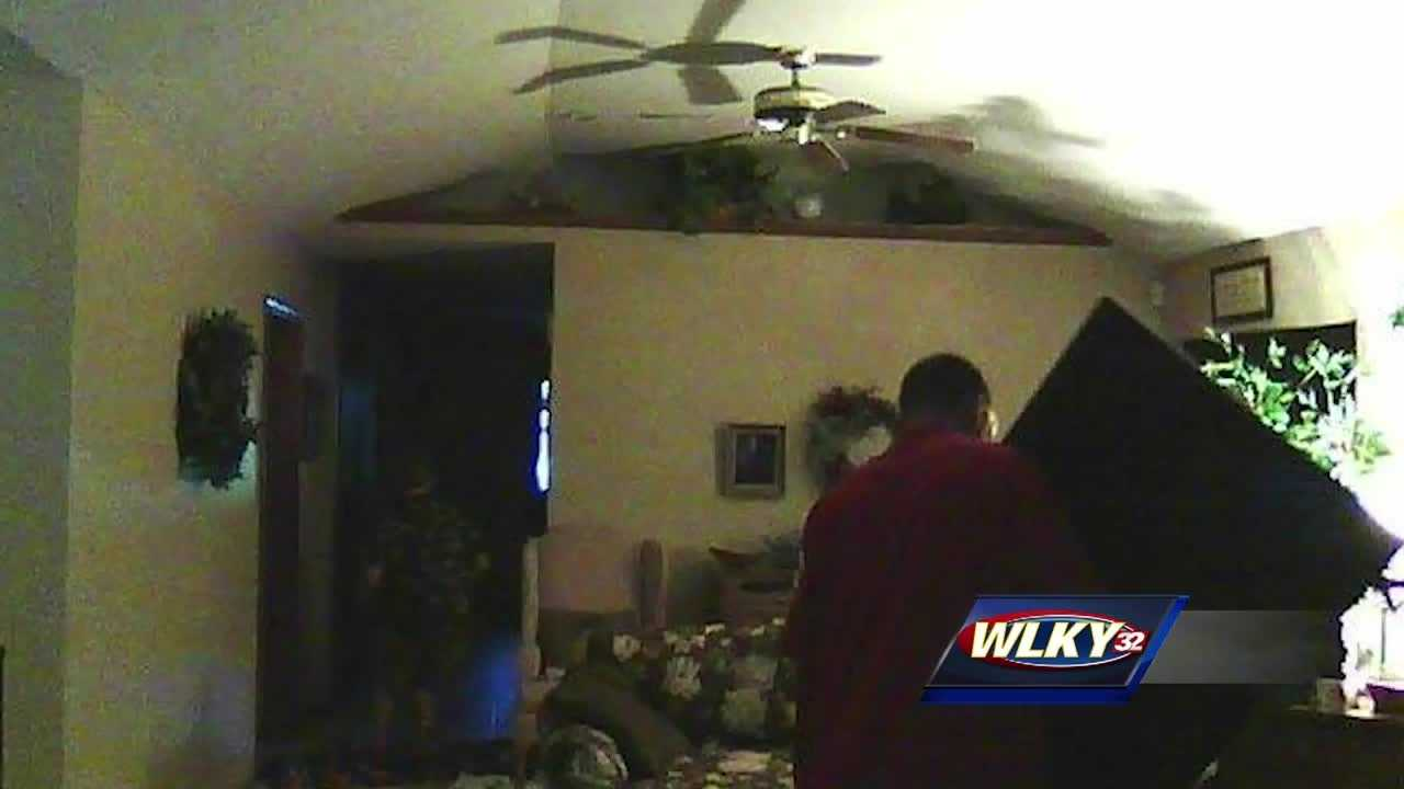 Floyd County sheriff's deputies are looking for two men who they believe broke into several homes Thursday morning.