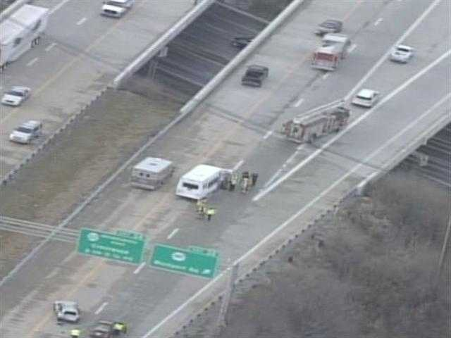 Raw aerials from a fatal crash on the Gene Snyder Freeway at Westport Road.