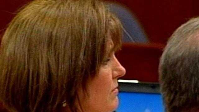 05.12.10: Susan Lukjan in court - 23529452