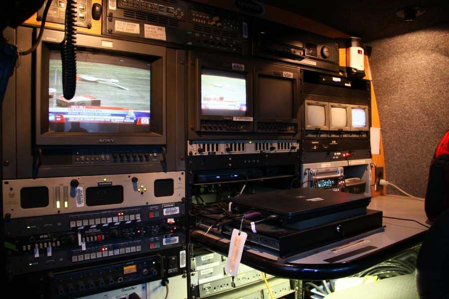 A look inside a live truck