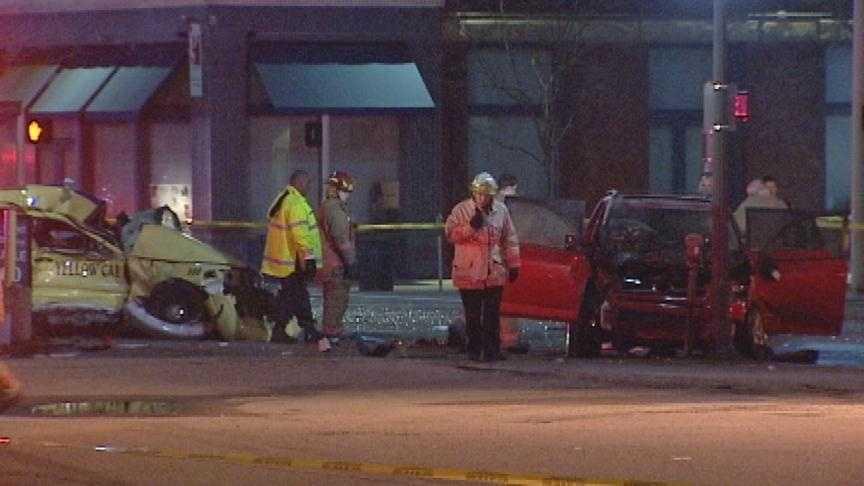 Downtown Crash (good) - 27210469