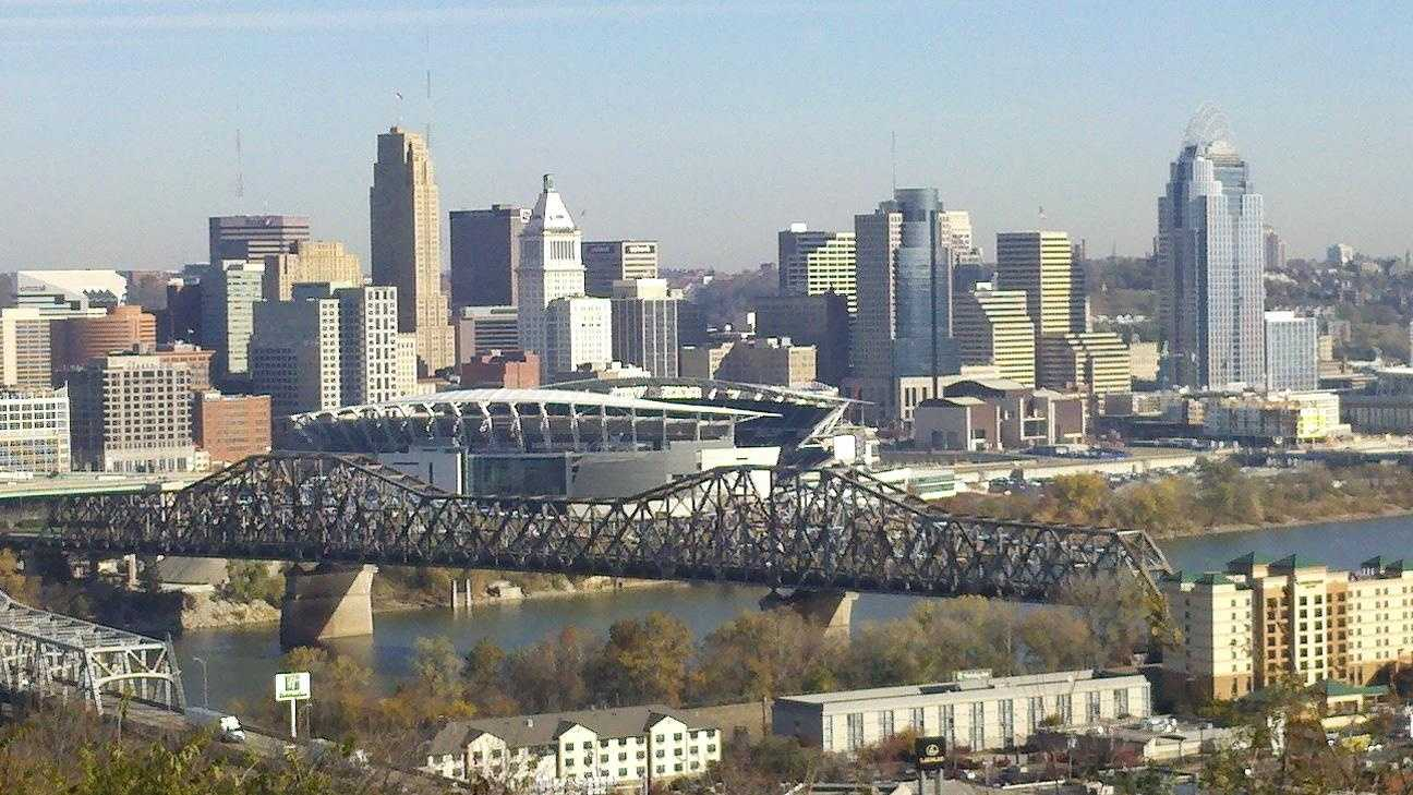 New Cincinnati Skyline - 25670237