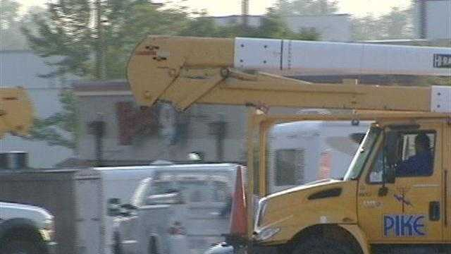 The numbers are dropping as crews work to restore power across the Tri-State.
