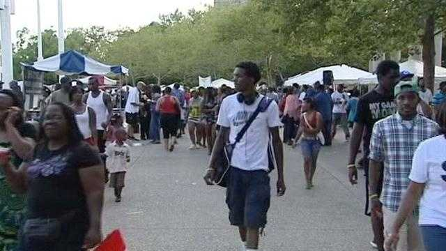 24th Annual Midwest Region Black Family Reunion attracts more than 10,000 to Sawyer Point on Saturday.