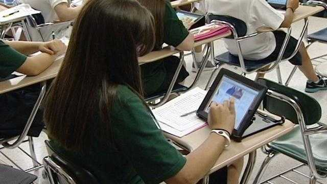Tri-State high school equips students with iPads