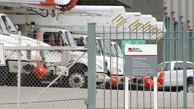 Crews prepare for Hurricane Sandy's arrival
