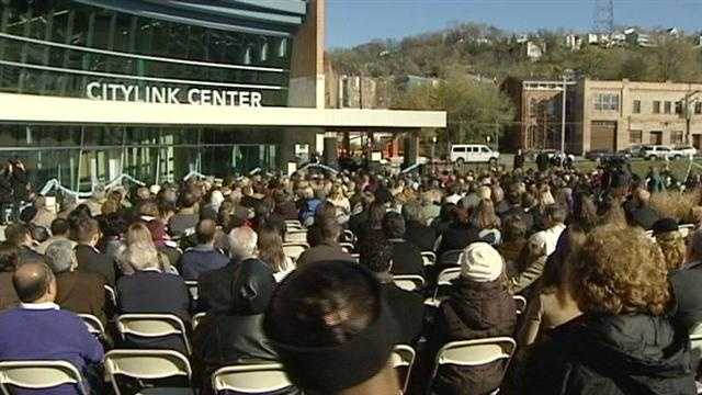 More than 800 people joined Cincinnati's mayor Tuesday to celebrate the grand opening of the CityLink Center in the West End.