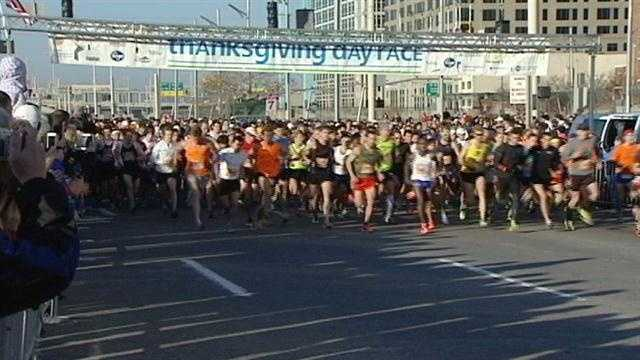 Good weather helped turn out a record crowd for Cincinnati's 103rd Annual Thanksgiving Day Race. Some families consider the race as big a Thanksgiving tradition as they do eating turkey and stuffing.