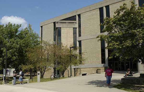 20: Western Illinois University